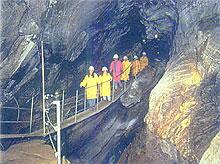 emberek barlangban