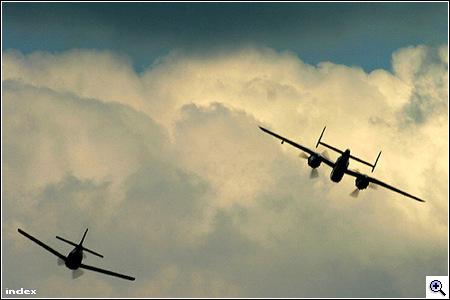 Légibemutató és Red Bull Airrace 2005-ben
