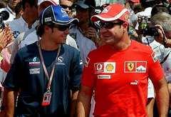 Massa itt még Sauber-pólóban, Barrichellóval