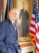 John Spencer, Az elnök emberei Leója