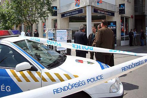 fegyverrel-raboltak-ki-egy-budapesti-k-h-bankot