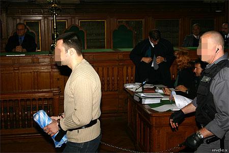 Hajdú László 2004. szeptember 27-én a Fővárosi Bíróságon (Fotó: Nagy Attila)