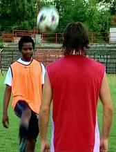 A labdás gyakorlatok még nem túl nehezek (Kép: TV Kispest)