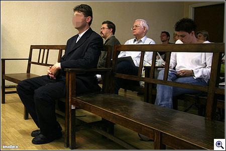 Képek a bíróságról