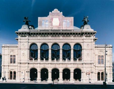 Operaház frontja