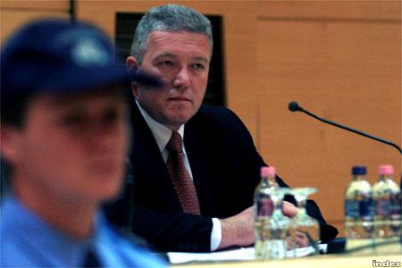 Dobozi József az ORFK pénteki válság-sajtótájékoztatóján