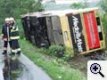 Felborult egy busz, három halott