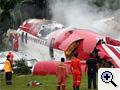 Kettétört egy thai repülő