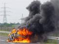 Kiégett egy autó az M3-ason