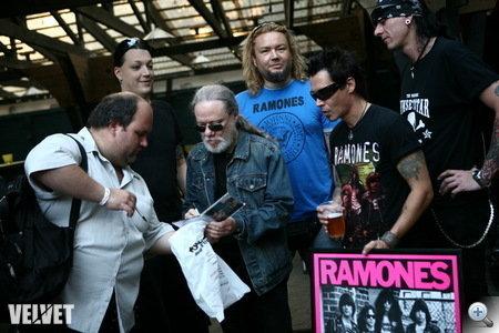 The Ramones - amíg a szem ellát