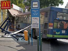 Elszabadult egy busz