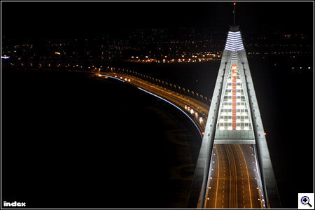 Megyeri Bridge by night