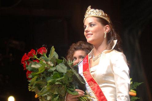 2007-ben a legszebb magyar lánynak választották.