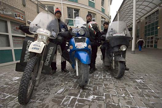 Budapesti motorosfutárok - télen-nyáron az utakon
