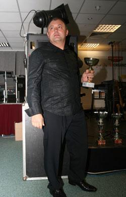 Id. Tóth Imre (Team Toth) adta át az Aprilia kupa serlegeit