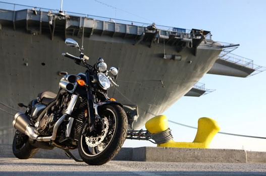 Hasznos kiegészítő a tankhajó, mert a benzintartály csak 15 liter