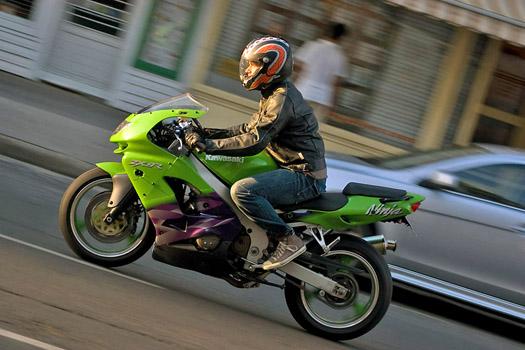 Városi motorosnak öltözve - nem városi motoron