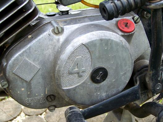 Négyfokozatú váltóval szerelték az S53-a
