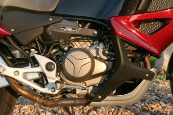 V2-es, 98 Nm-es és 92,5 LE-s blokk