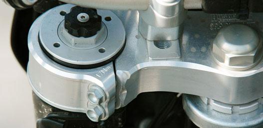 17 Nm-rel kell meghúzni a felső kifli csavarjait