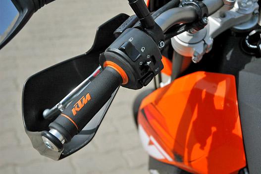 Narancsszínű részletekkel mindenhol