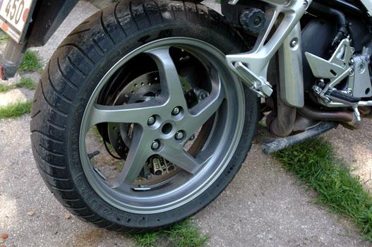 Remek hátsó kerék 180-as gumival