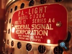 Federal Signal Corporation címke. Fotó: Winkler Róbert