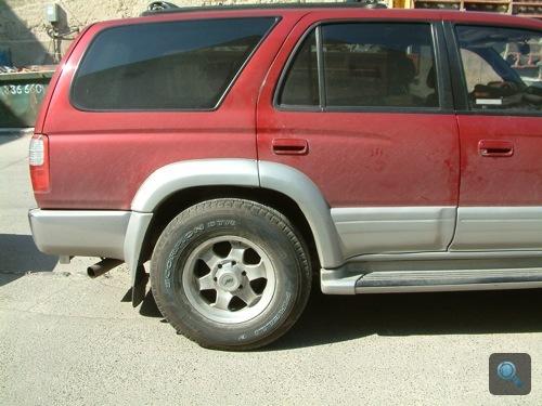 Toyota 4Runner megpakolva, oldalról. Fotó: Winkler Róbert