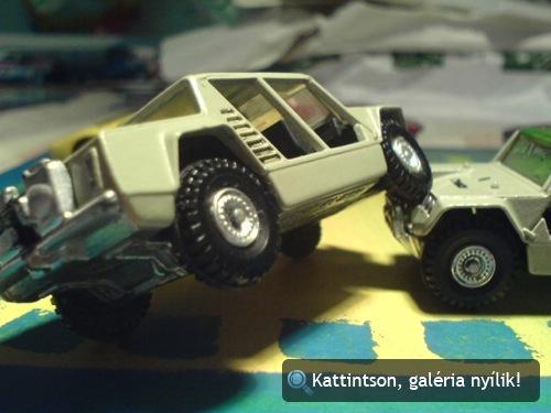 Két Lamborghini Cheetah játékautó. Fotó: Oli