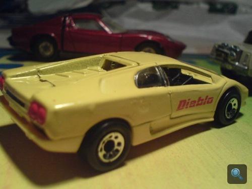 Lamborghini Diablo játékautó. Fotó: Oli