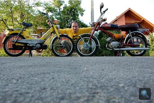 A sárga KTM, a szerző, és a bordó Verhovina