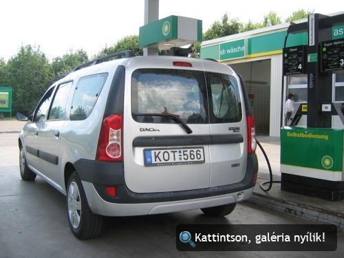 A Dacia a kútnál