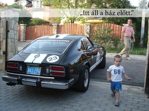 Fekete Datsun 280Z hátulról
