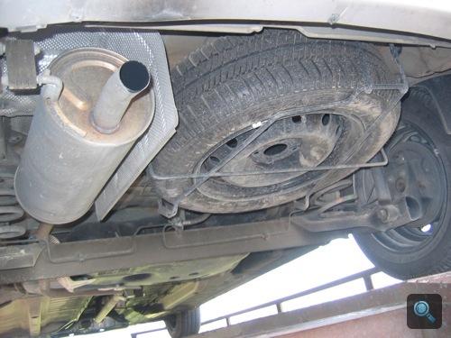 A Dacia kipufogója és pótkereke