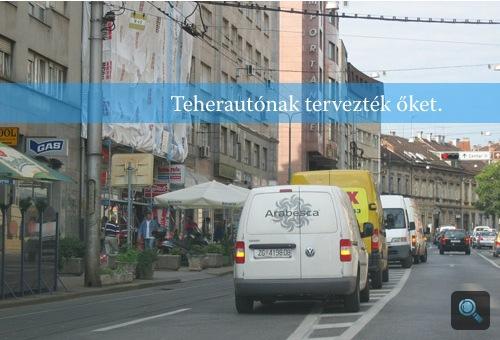 Vészvillogóval parkoló furgon Zágrábban