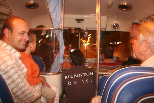 A klub a buszon