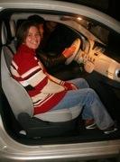 Mrs. Csikós a Fiat 500-ban