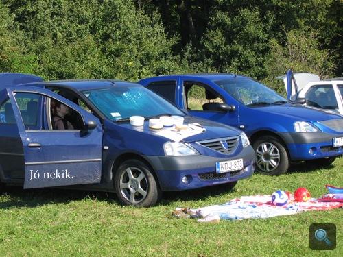Dacia piknik-parafernáliával