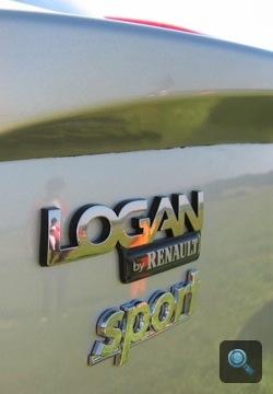 Logan embléma Renaultsport jelvénnyel