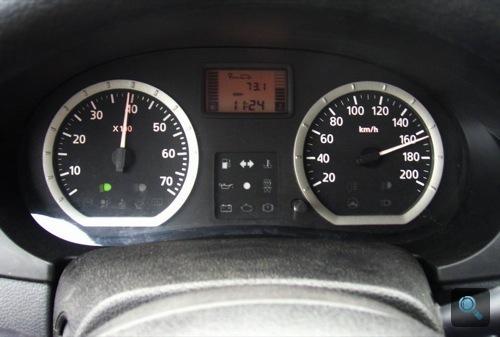 A Dacia megpakoltan 165-tel száguld