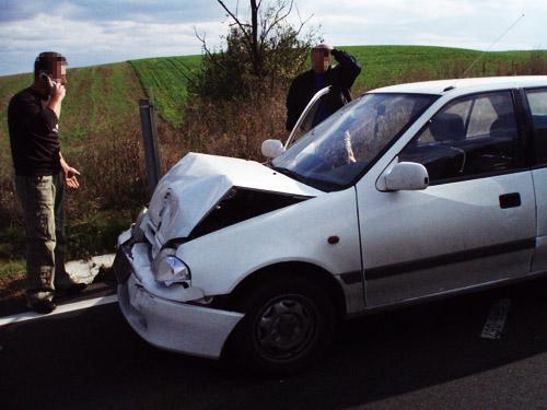 Az összetört Suzuki és utasai