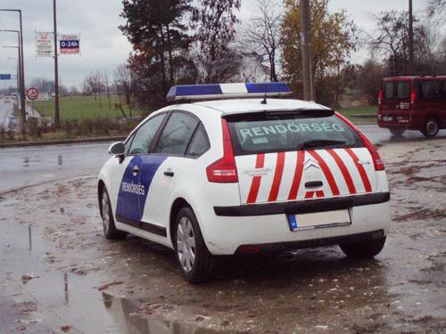 Citroën C4 rendőrautó Gödöllőn
