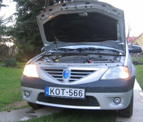 A Dacia kiégett bal első tompított lámpája