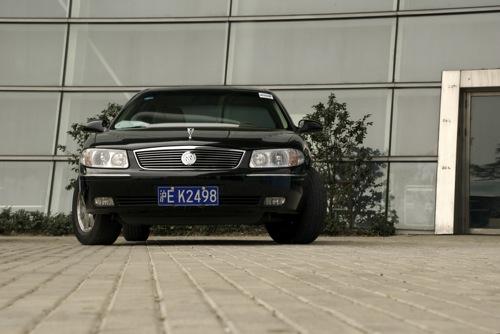 Fekete Buick Regal GS 3.0 V6