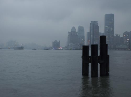 A régi francia negyed a Huangpun túl, Pudong felől nézve