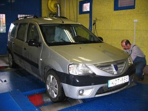 Teszt-Daciánk az Istvánko Bosch Car Service teljesítménymérő padján