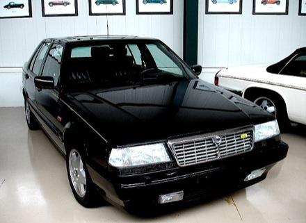 Lancia Thema 832. Lancia Thema 8.32.