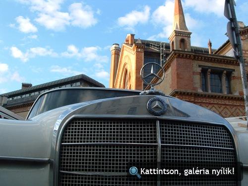 Mercedes-Benz W110 a Fővám téren