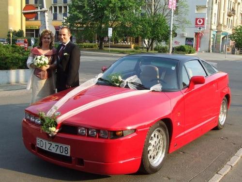 Alfa Romeo SZ mint esküvői kocsi. Forrás: Használtautó.hu