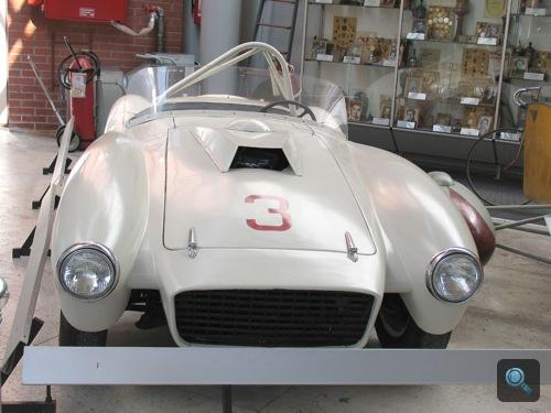 Fehér ZIL-112 Sports